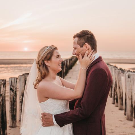 bruidsreportage op het strand zeeland