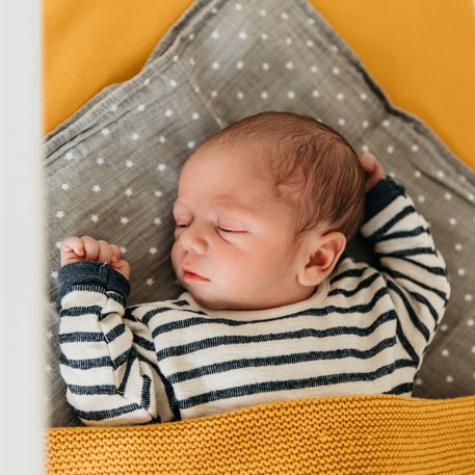 baby geboren fotoshoot