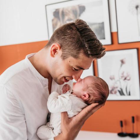 vader en zoontje newbornshoot