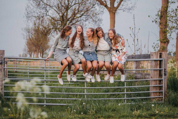 Fotoshoot 's-Gravenpolder vriendinnen